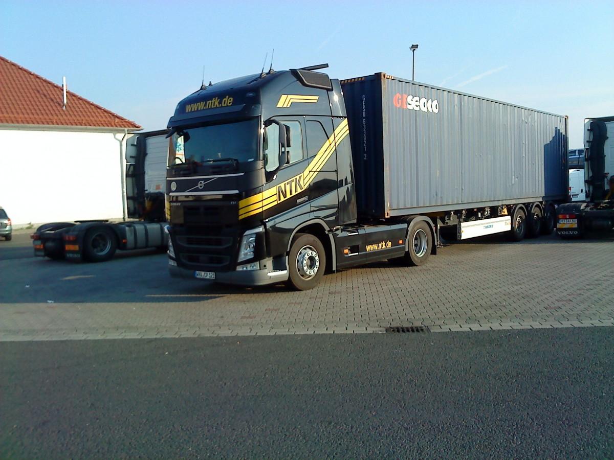 Spedition Möbel Deutschland Schweiz ~ SZM Volvo FH der Spedition NTK mit Container der Firma GESEACO gesehen