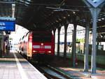 BR 146/609491/146-023-steht-als-re30-mit 146 023 steht als RE30 mit ziel Magdeburg Hbf im Bahnhof Halle/Saale Hbf am 26.4.18