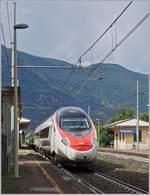 ETR 610/586129/ein-sbb-etr-610-als-ec Ein SBB ETR 610 als EC auf dem Weg Richtung Domodossola bei der Durchfahrt in Vogogna. 18. Sept. 2017